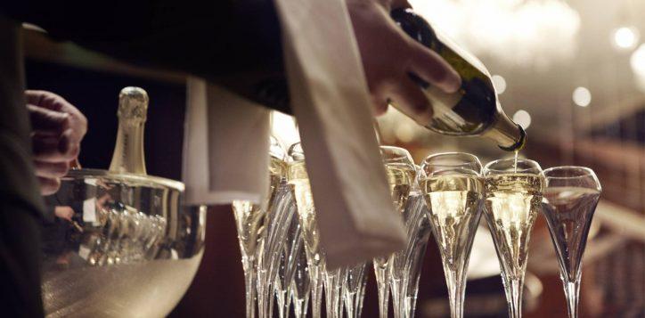 champagne_image15_65330316_le_royal_monceau_raffles_paris-2