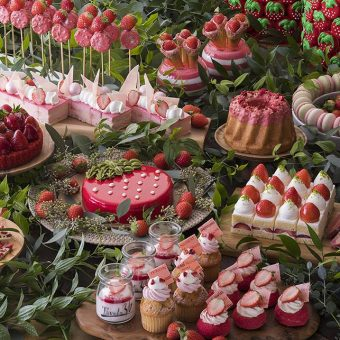 valentines-strawberry-sweet-buffet