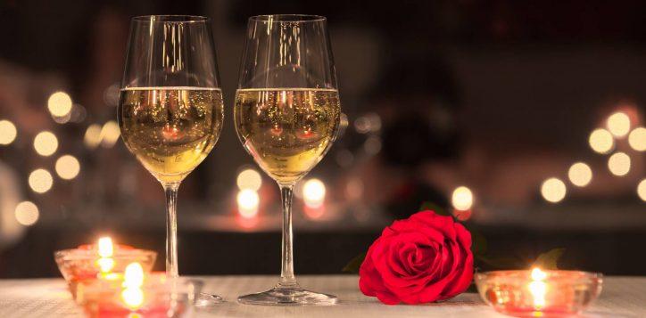 swissotel-nankai-osaka_romantic-dinner-champange-2